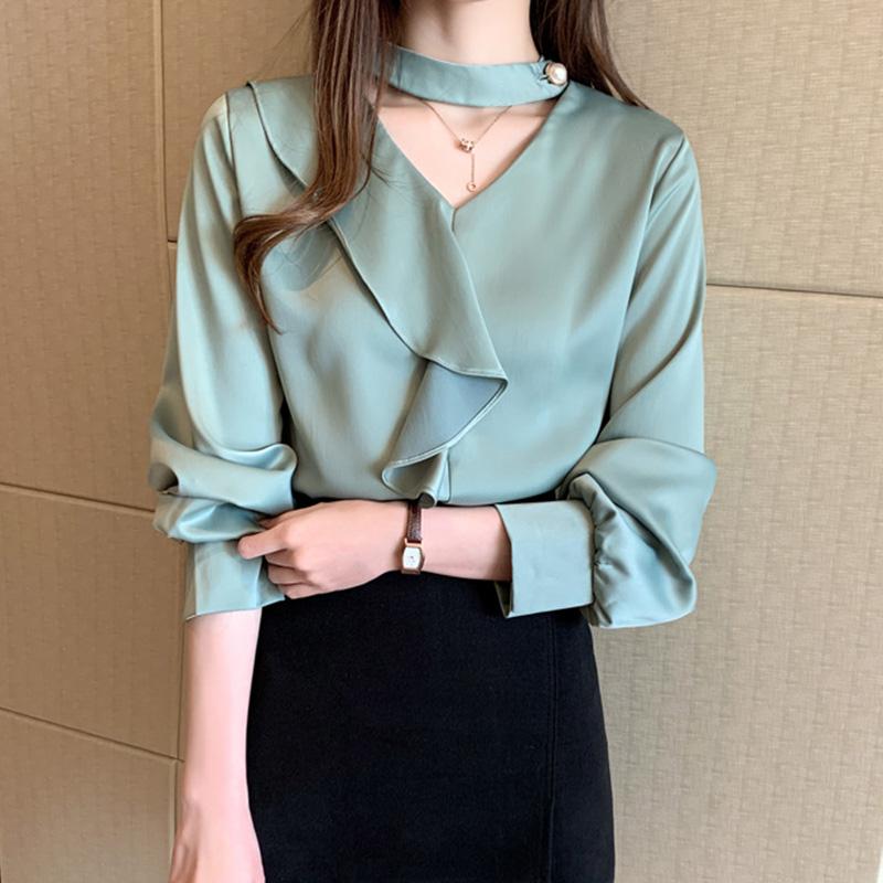 Áo kiểu nữ công sở Louro L205, chữ V cách điệu kết hợp bèo thân áo, thanh lịch nhẹ nhàng
