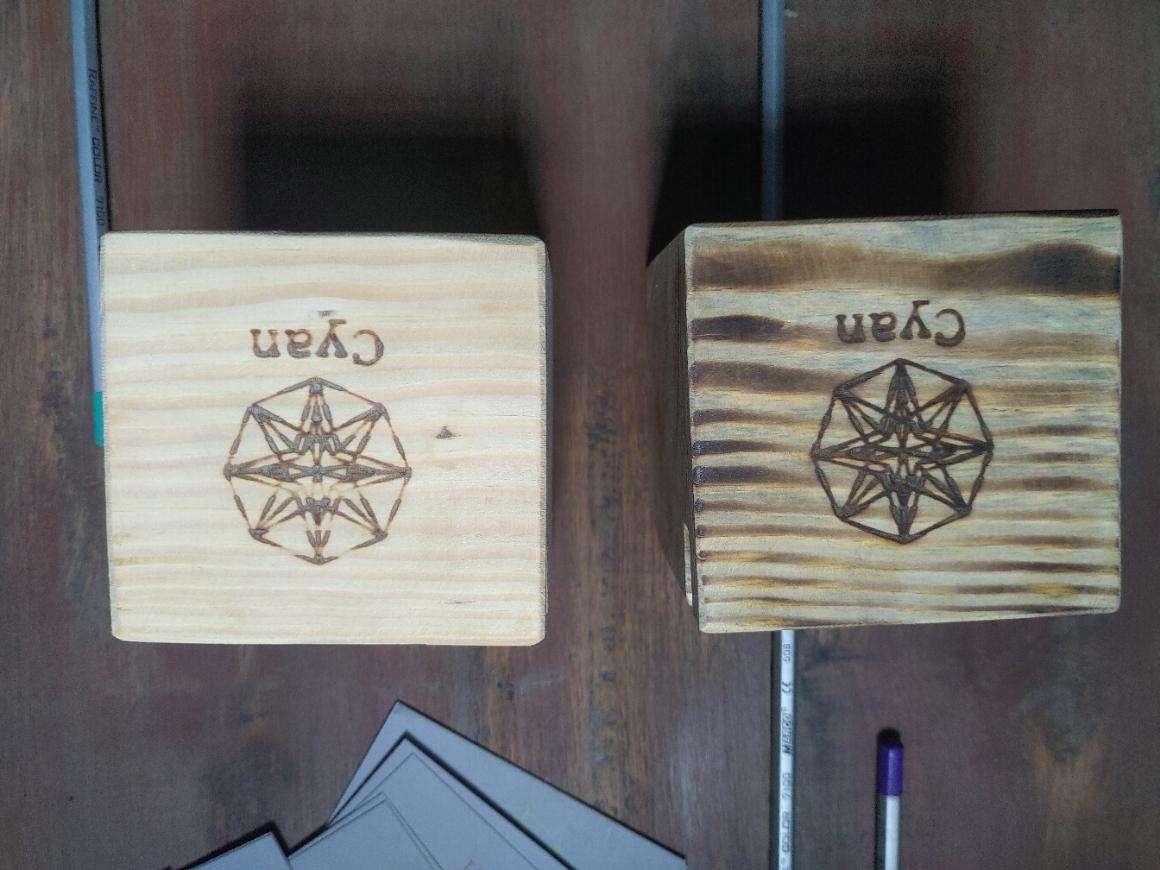 Hộp gỗ lưu trữ bút,card