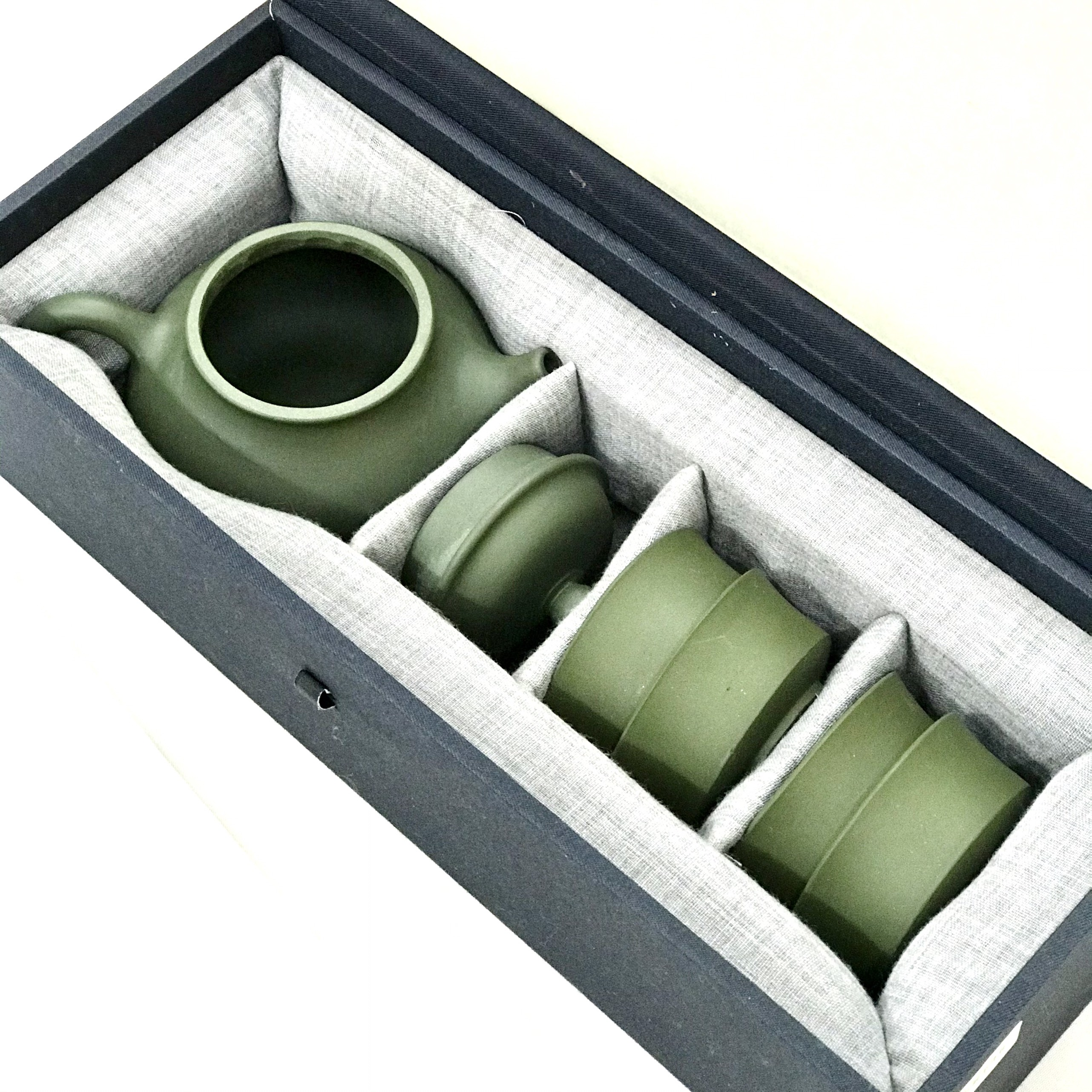 Bộ ấm tử sa Dung Thiên Lục Nê sm001 (Bộ 1 ấm + 4 chén)