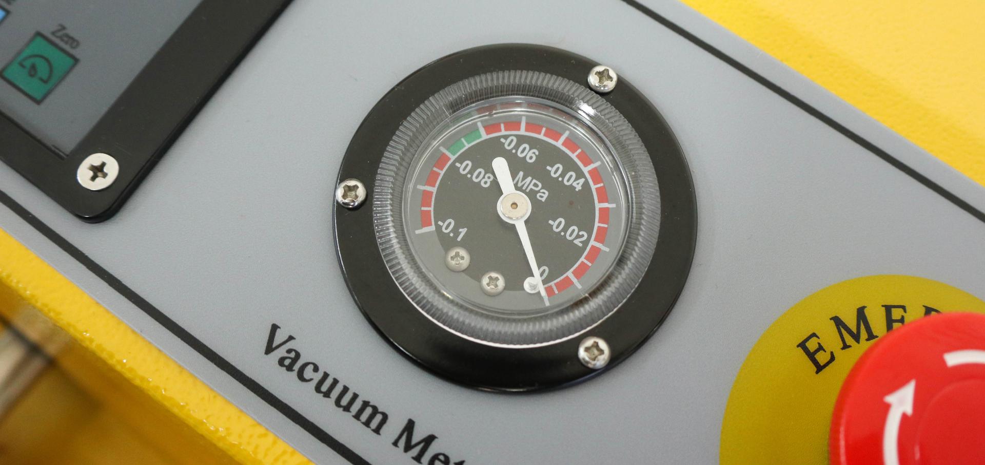 Máy ép chân không công nghiệp VC100-80. Tính năng hút chân không, thổi khí nitơ, hàn miệng túi khác nhau. Hàng chính hãng Thái Lan