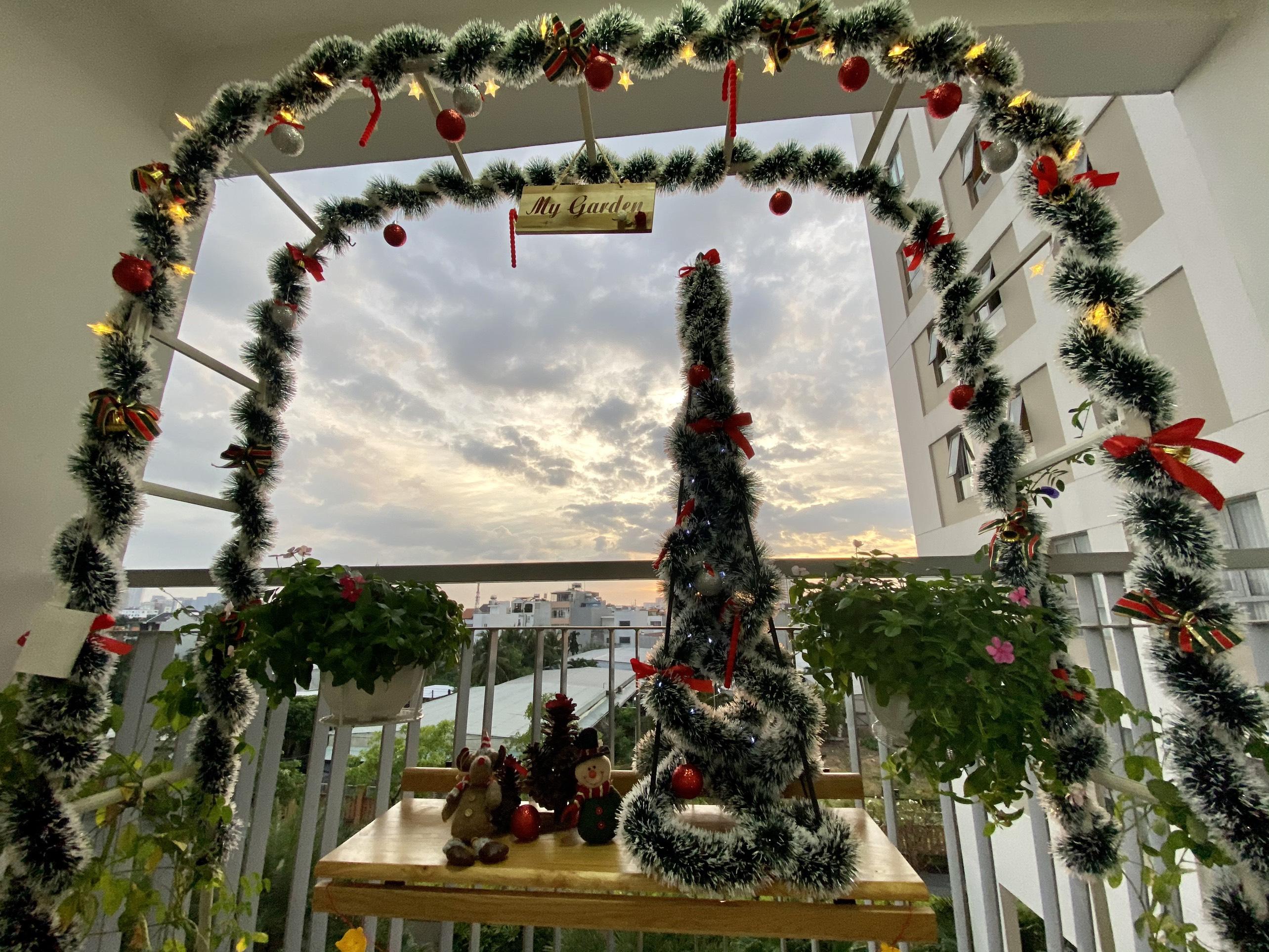 CONCEPT CỔNG HOA TRANG TRÍ NOEL - Dùng là cổng hoa hồng trang trí ban công, khung vòm giá đỡ hoa hồng leo