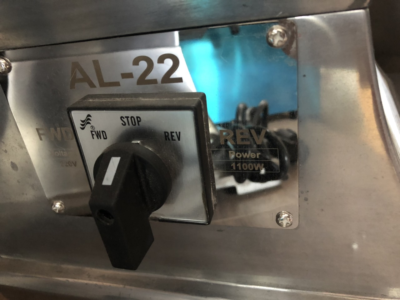 Máy Xay Thịt ABG AL-22 - Công Suất 1100W Dùng Điện 220V Thân Máy Inox Có Thể Xay Đa Thực Phẩm, Làm Xúc Xích Đảm Bảo An Toàn Thực Phẩm – Hàng Chính Hãng
