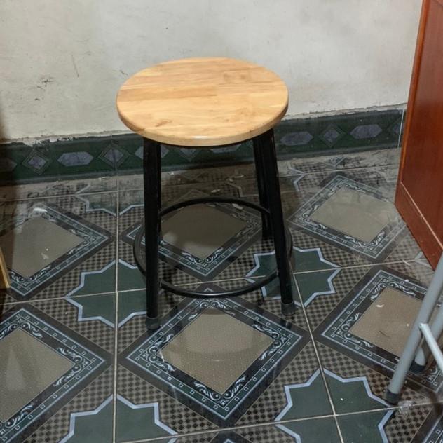 Ghế tròn chân sắt