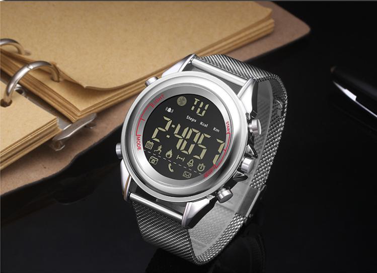 Đồng hồ thể thao  thông minh sang chảnh pin 12 tháng DK18