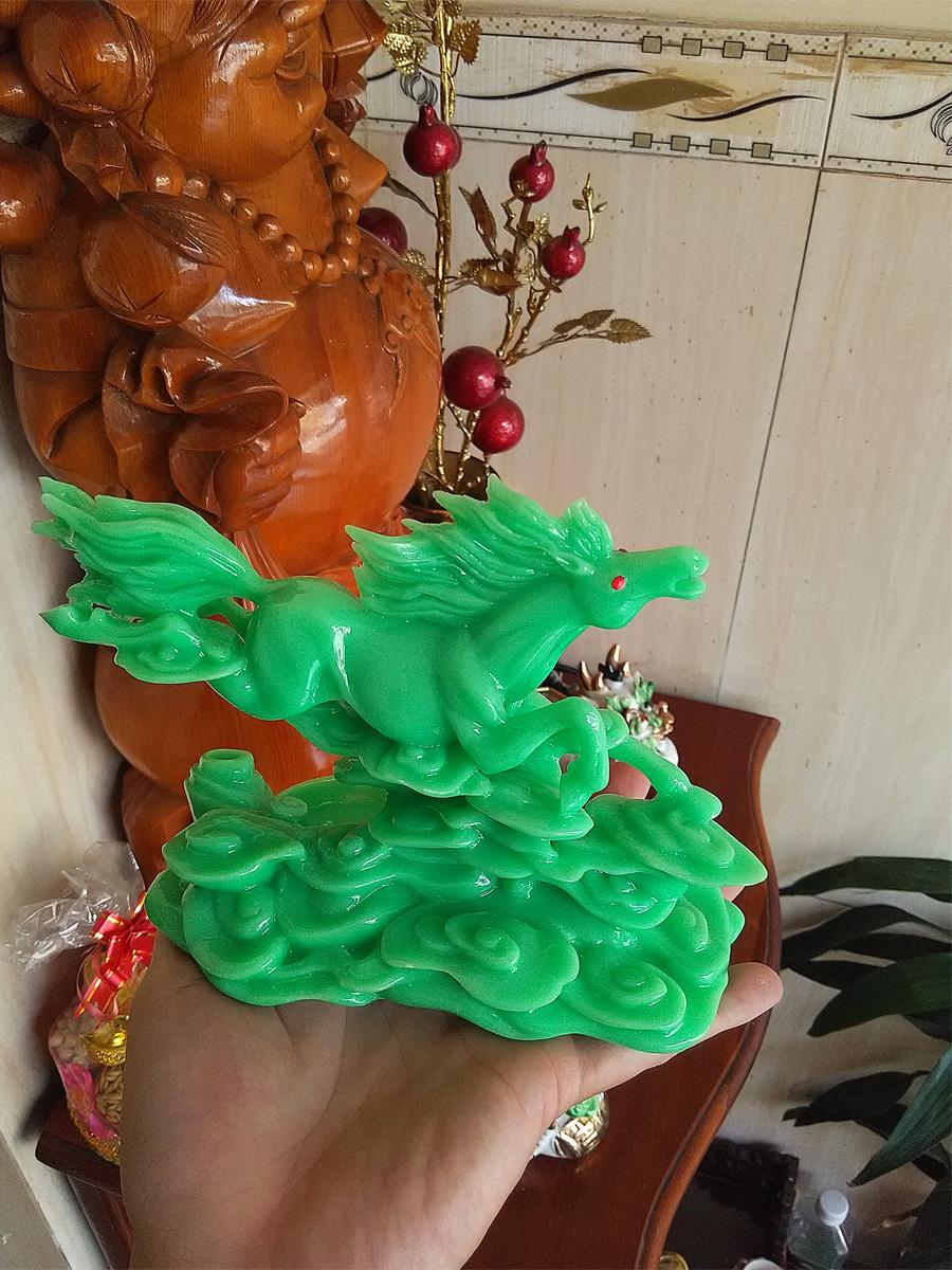 Tượng ngựa bay bằng đá poly xanh ngọc - NDX17