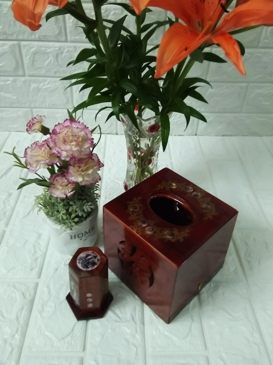 Hộp khăn giấy gỗ hương ta đỏ lọng chữ phúc vuông kèm ống tăm CGV02