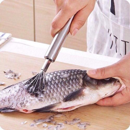 Dụng cụ đánh vảy cá -nạo dừa 2 trong 1 ionx tiện lợi