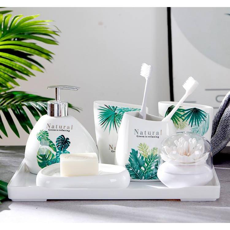 Set đồ phòng tắm sang trọng họa tiết lá xanh