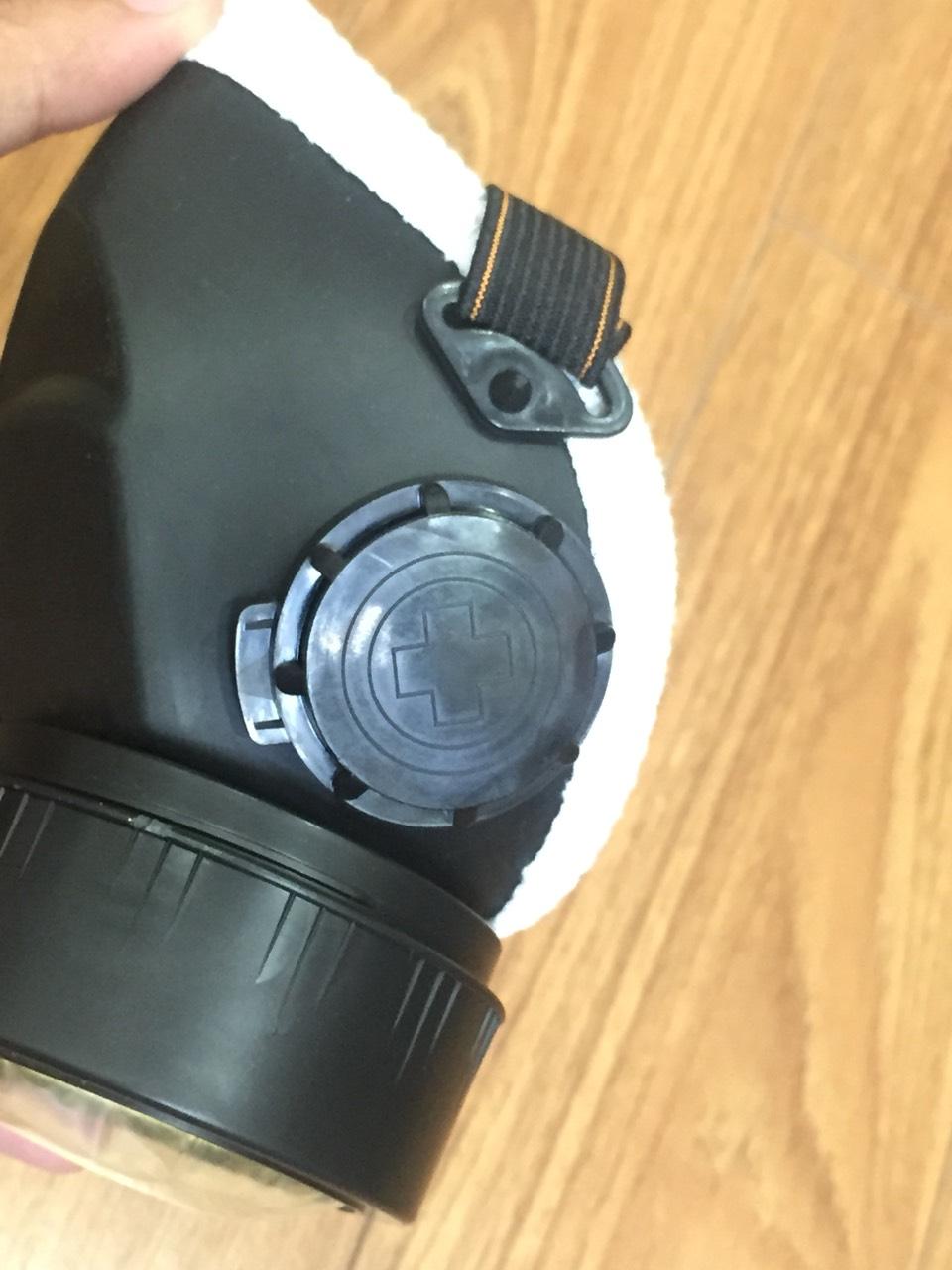 Bộ bảo vệ hô hấp: Mặt nạ phòng độc Blue Eagle NP 305 và 1 phin lọc độc RC 203 ; tặng 1 móc treo khóa