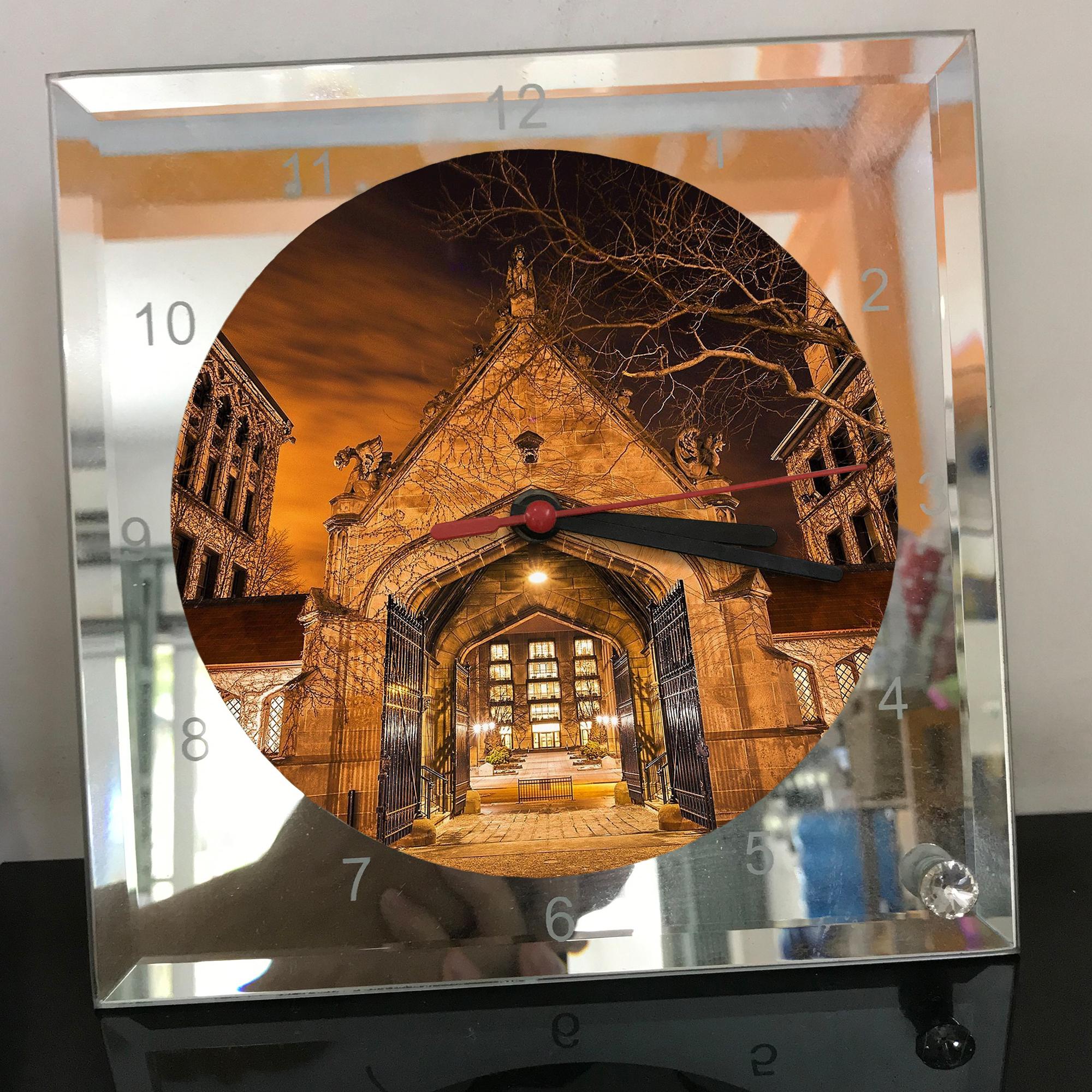 Đồng hồ thủy tinh vuông 20x20 in hình Church - nhà thờ (6).png . Đồng hồ thủy tinh để bàn trang trí đẹp chủ đề tôn giáo