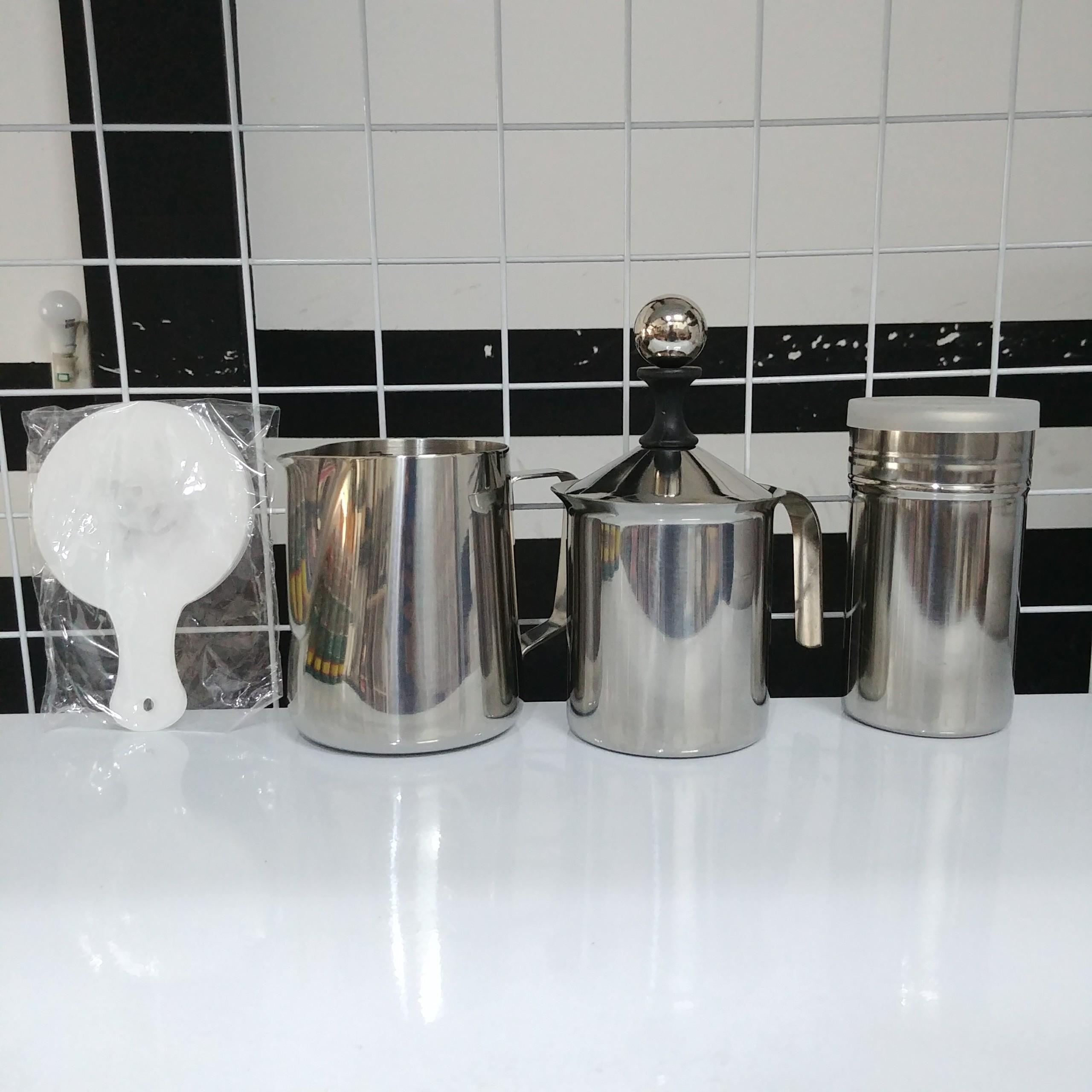 Bộ 4 dụng cụ đánh bọt sữa có khuôn rắc bột (Ca inox 600ml)