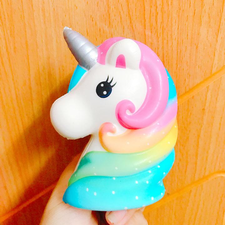 Squishy Unicorn cầu vồng quà tặng cho bé