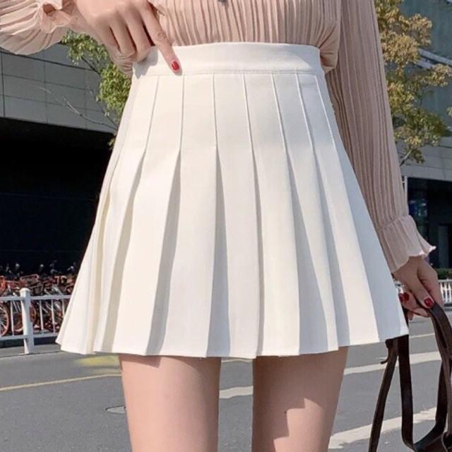 Chân váy xếp ly có quần trong