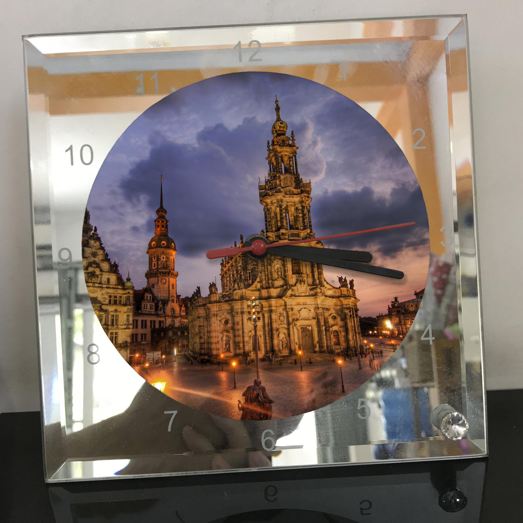 Đồng hồ thủy tinh vuông 20x20 in hình Cathedral - nhà thờ chính tòa (60) . Đồng hồ thủy tinh để bàn trang trí đẹp chủ đề tôn giáo