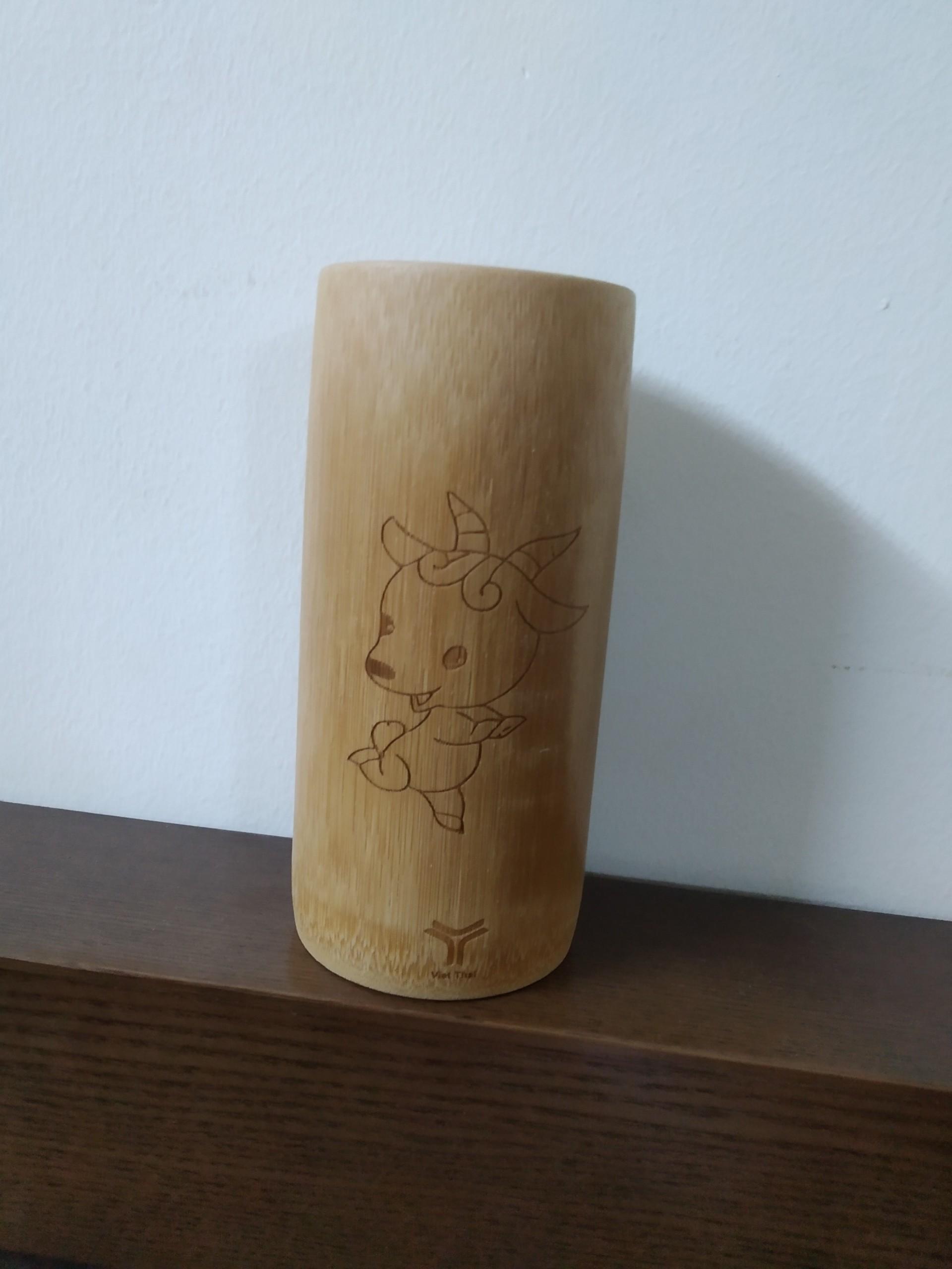 Cốc Tre in khắc tuổi Mùi, con Dê, cốc tre tự nhiên, được làm thủ công, cực an toàn