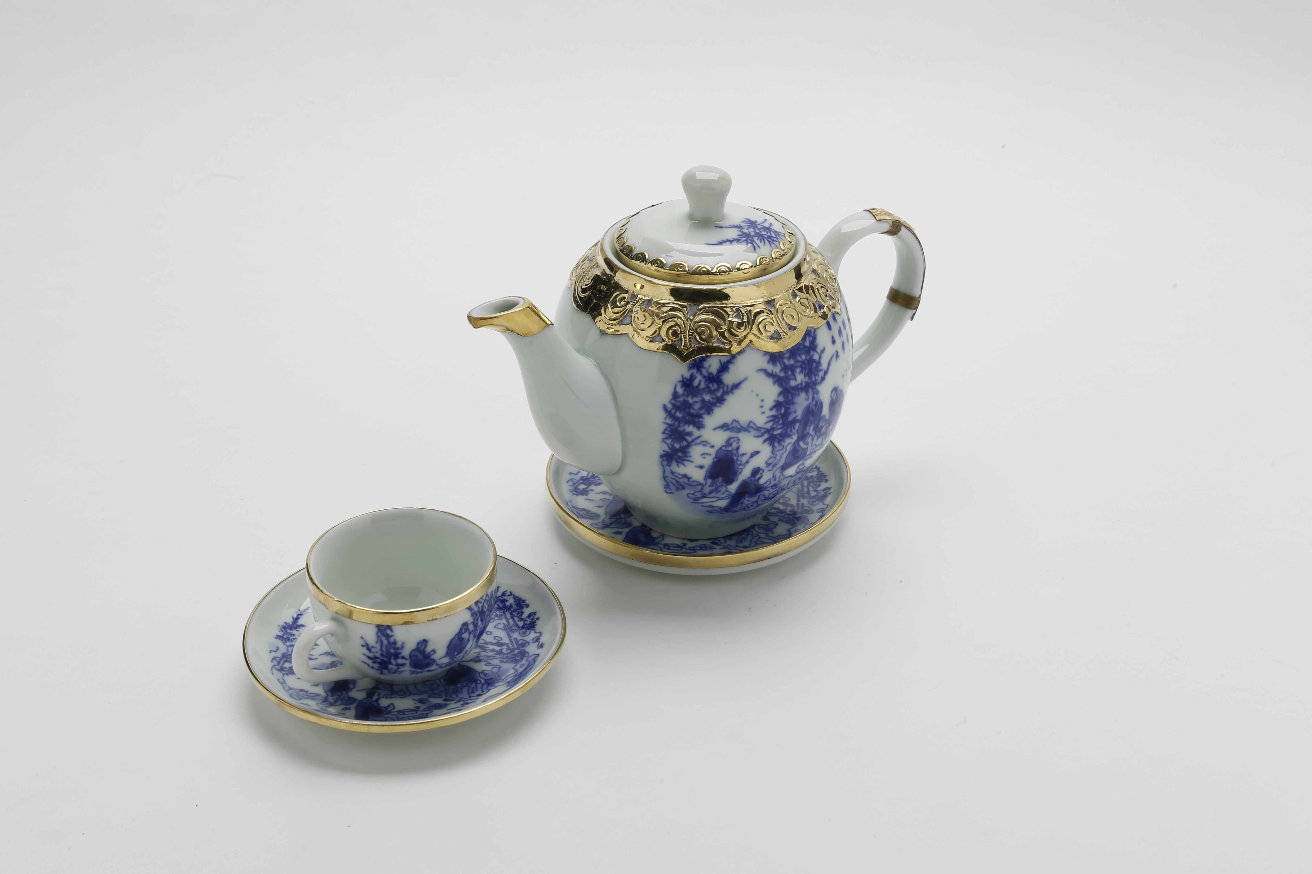 Bộ bình trà (ấm chén) men trắng vẽ bát tiên bọc đồng MNV-TS458