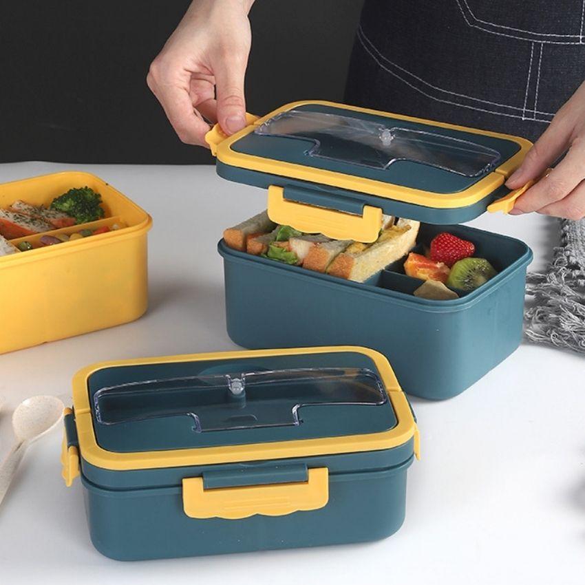 Hộp cơm giữ nhiệt bằng nhựa 3 ngăn có đũa muỗng 1L