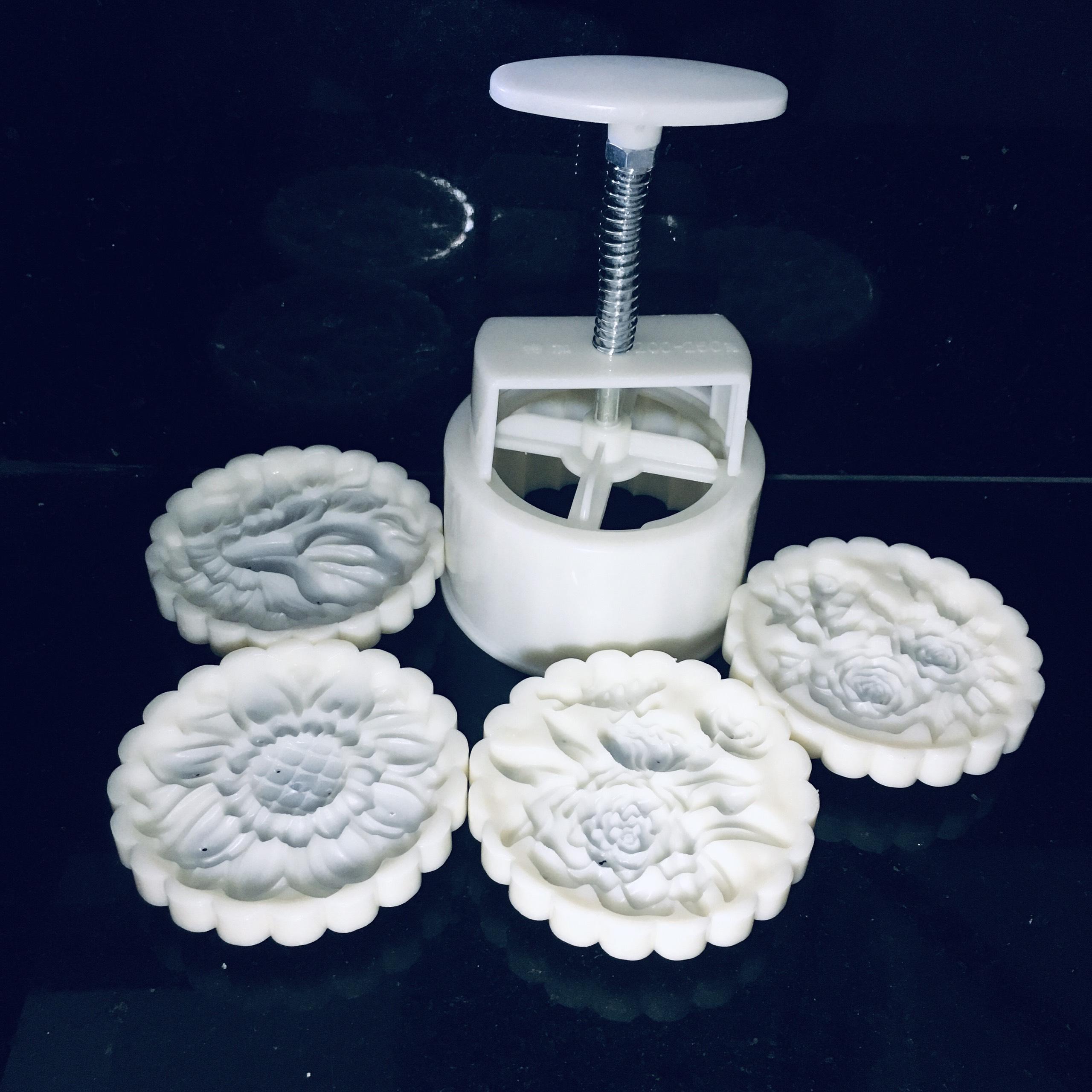 Khuôn trung thu 150g 4 mặt hoa hồng chùm dùng làm bánh trung thu, bánh dẻo đẹp mắt, chất lượng cao