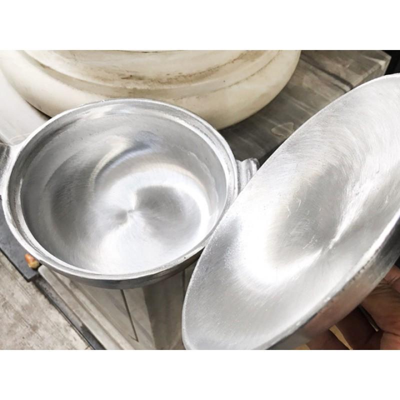 NIÊU CƠM GANG với thiết kế chuyên dụng dùng để chế biến món cơm niêu, cá kho tộ 18cm
