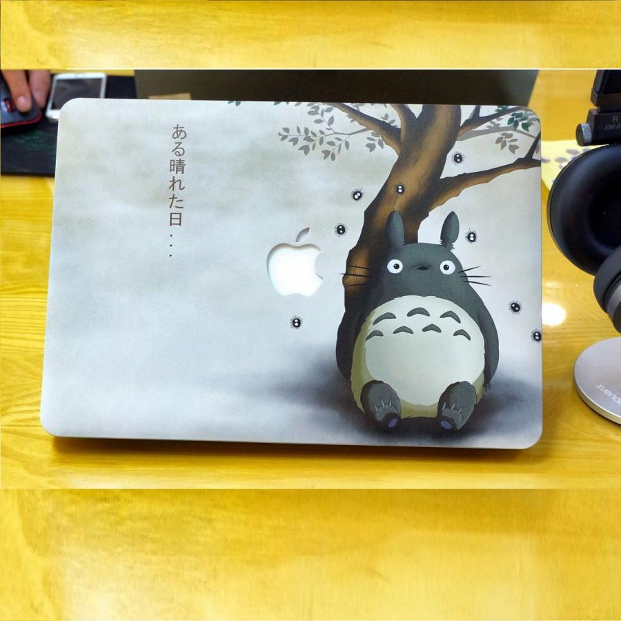 Ốp lưng bảo vệ Macbook in hình Totoro