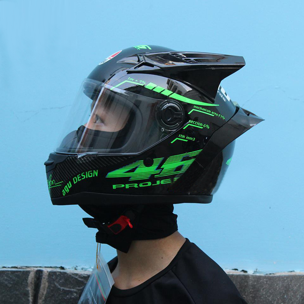 Mũ bảo hiểm fullface AGU tem Xanh Lá gắn đuôi gió + sừng (Tặng túi và khăn ninja)