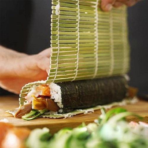 Khuôn nhựa làm sushi, cơm cuộn hình trụ- Dụng cụ làm sushi tiện lợi, nhanh chóng+ Tặng kèm mành tre cao cấp cuốn sushi màu xanh lá