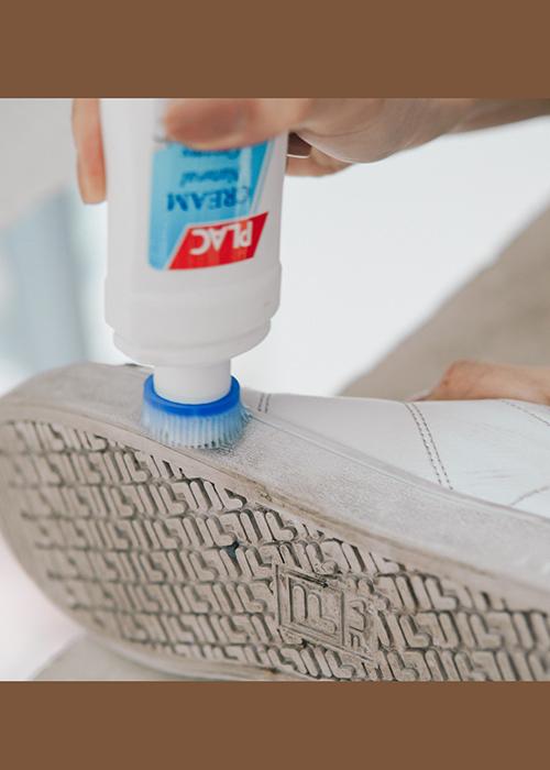 Chai vệ sinh giày dép - 100ml