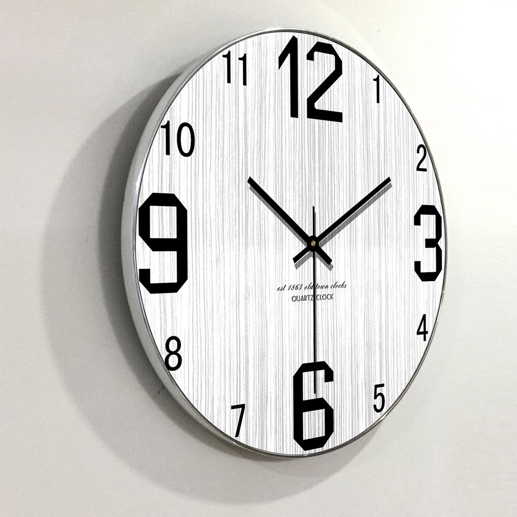 Đồng hồ treo tường gỗ trang trí đẹp, đồng hồ treo tường kim trôi 100% gỗ tự nhiên, có viền kim loại gia cố sắc sảo