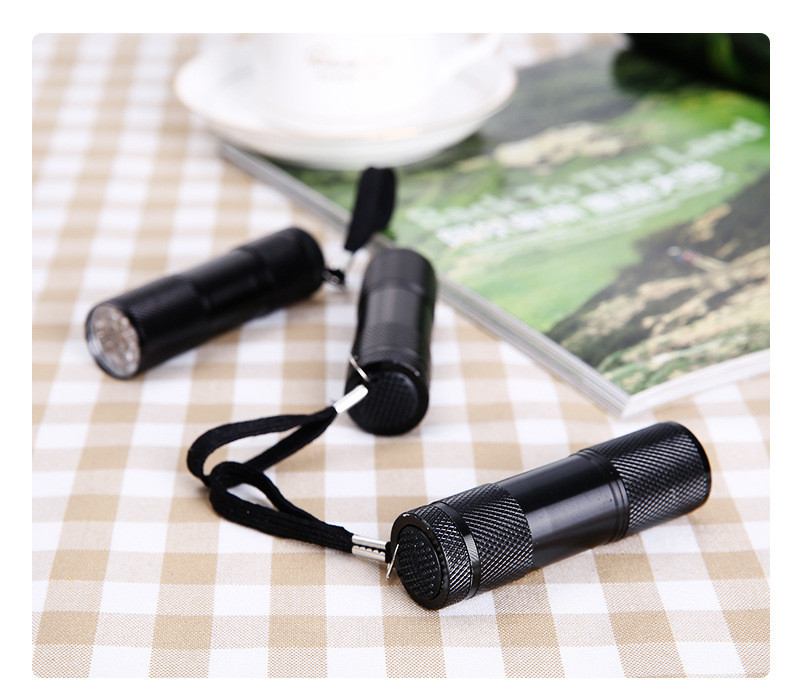 Đèn Pin Siêu Sáng 9 Bóng LED Soi Tiền TMT COLLECTION Cầm Tay - AFS34GSSD
