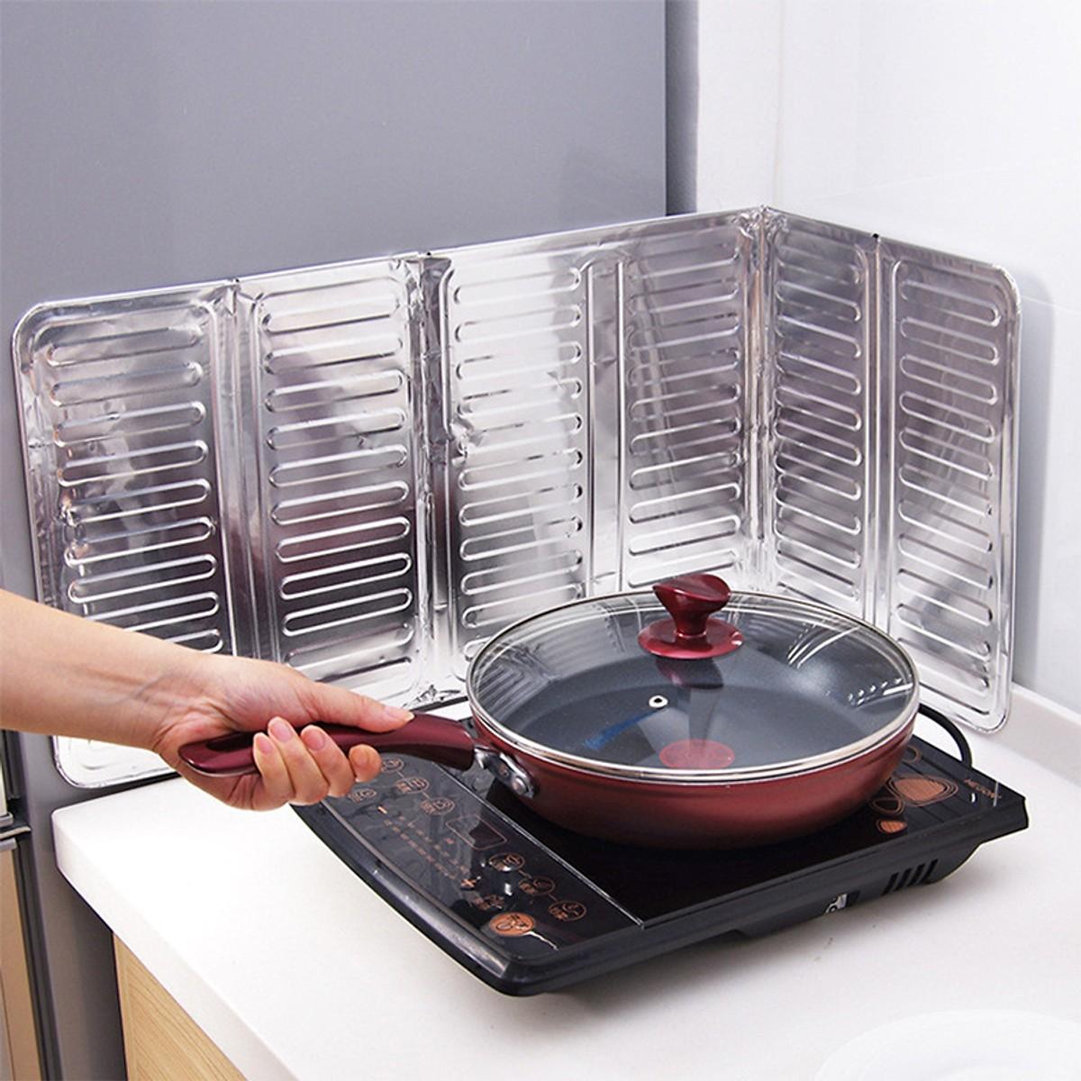 COMBO Giấy Bạc Dán Bếp Chống Thấm 3M + Tấm Chắn Dầu Mỡ Bếp Ga - Tặng gương cầm tay