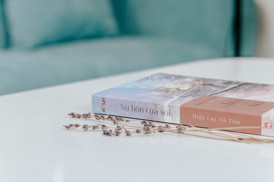 Ngôn Tình Đặc Sắc: Nụ Hôn Của Sói (Tác Phẩm Tiêu Biểu Của Diệp Lạc Vô Tâm) - Tặng Kèm Bookmark Happy Life