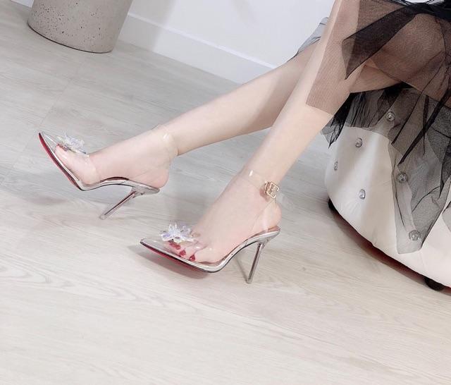 Giày Cưới cao gót trong suốt hoa đá pha lê bít mũi