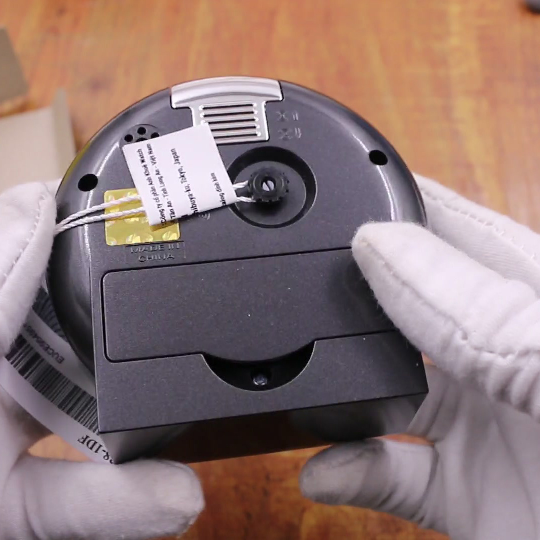 Đồng Hồ Để Bàn Casio TQ-228-1DF Màu Đen - Có Báo Thức - Dạ Quang - Kích Thước Vỏ ( 8.6 cm )