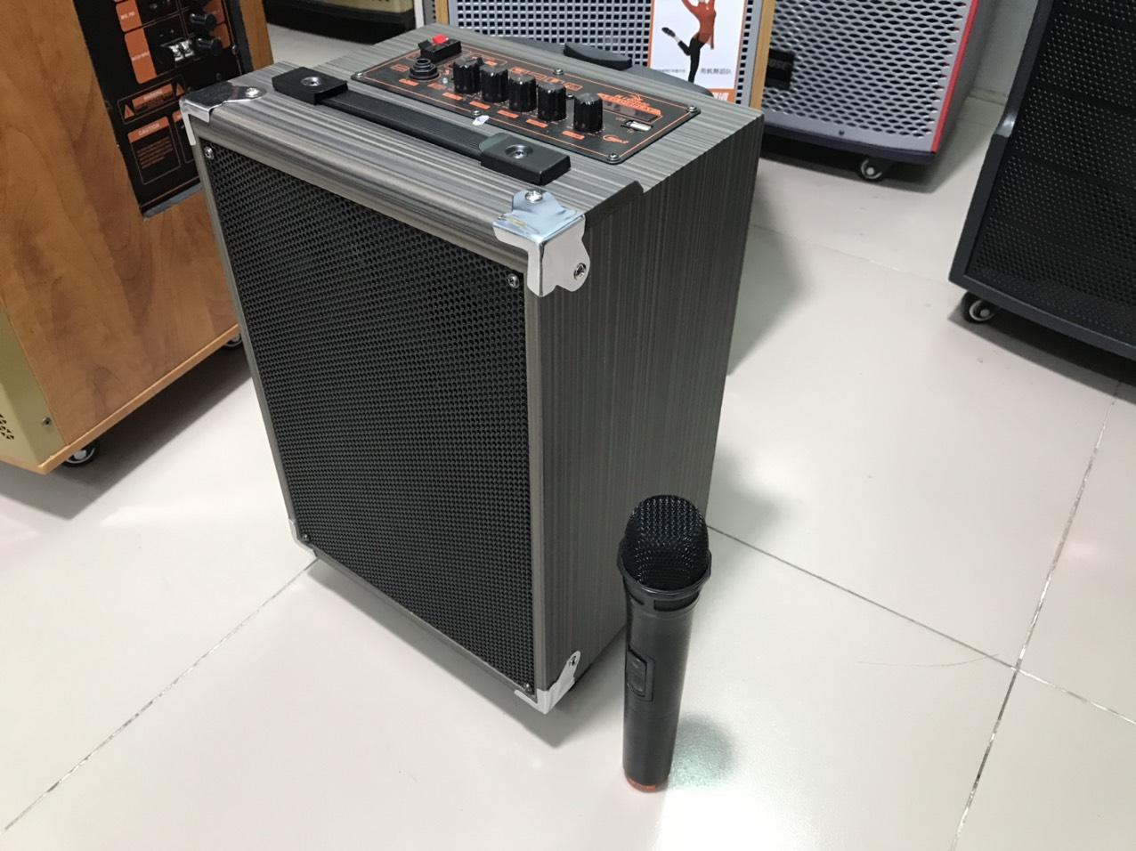 Loa Kéo Karaoke Nghe Cực Hay q8 kèm 1 micro