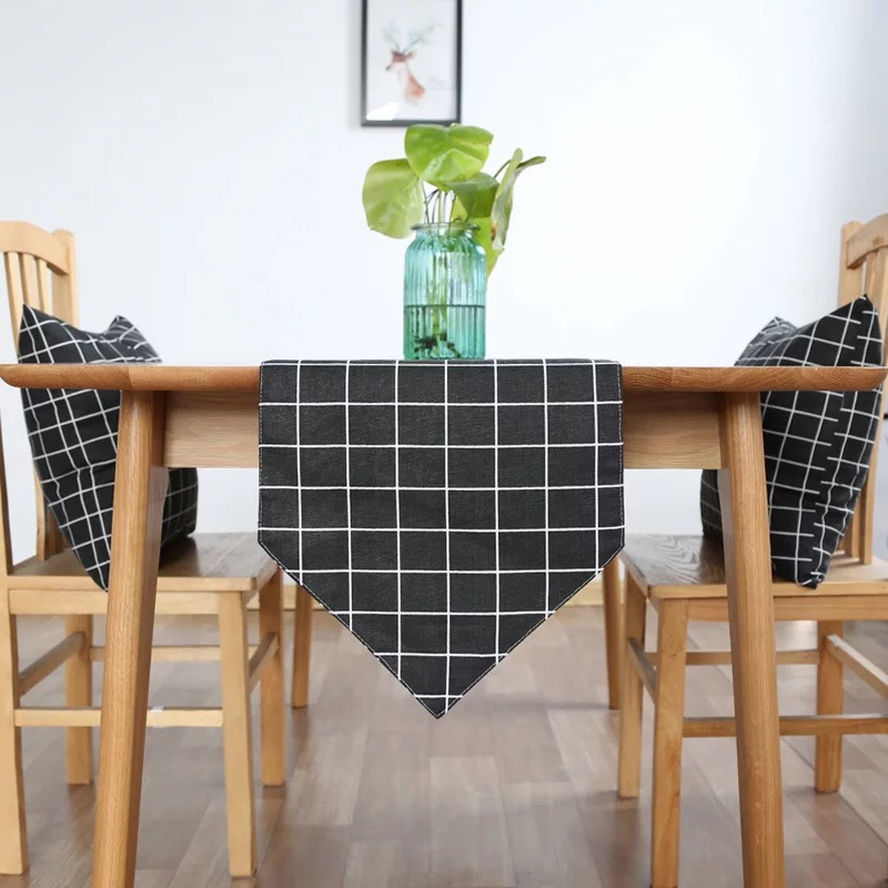 Khăn trải bàn table runner vải bố - Họa tiết Caro đen - mẫu A02