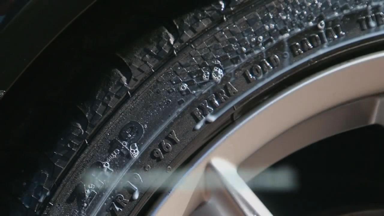 Chai xịt bảo dưỡng lốp ô tô 3M 39042 (Hàng Mỹ)