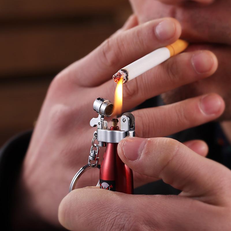 Combo Móc Khóa Kiêm Bật Lửa Xăng Đá Hình Chai Rượu + Tặng Bộ Đá Chuyên Dụng Cho Bật Lửa Xăng Đá ( Màu Ngẫu Nhiên)