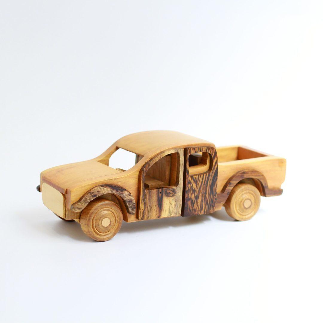 Mô hình xe gỗ đồ chơi bán tải cho bé trai
