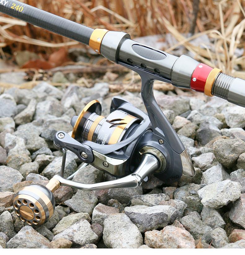 Bộ cần câu cá - Cần carbon huter Man - Máy Deukio chính hãng - Tặng kèm 9 phụ kiện CC02