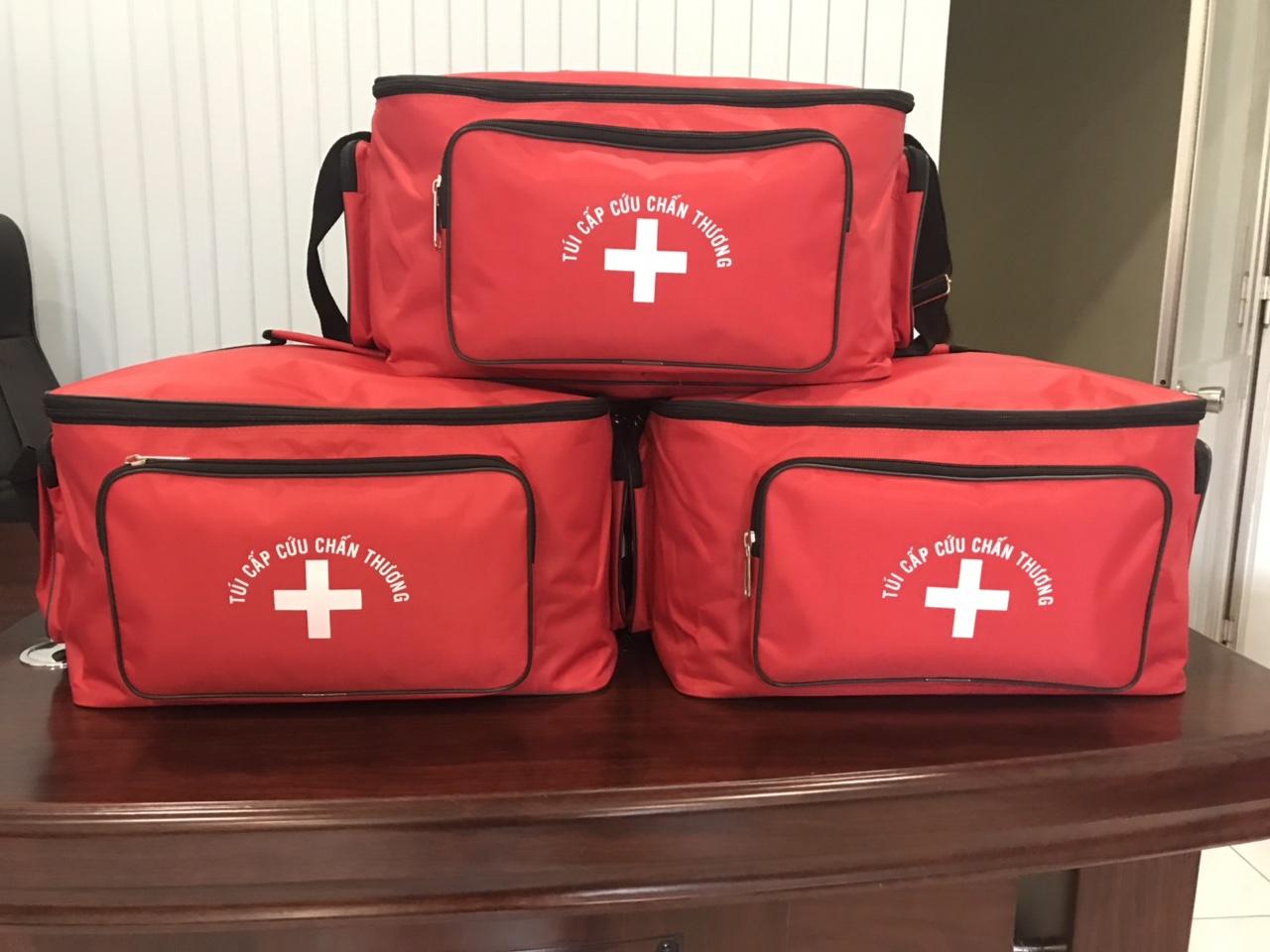 Bộ túi cưu thương y tế loại B màu đỏ theo thông tin, không kèm nẹp