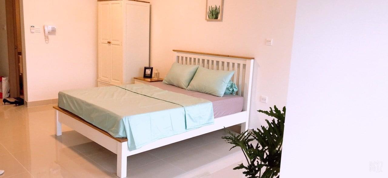 Combo Giường đôi + tủ đầu giường gỗ sồi tự nhiên Juliet - Màu trắng kem nóc sồi