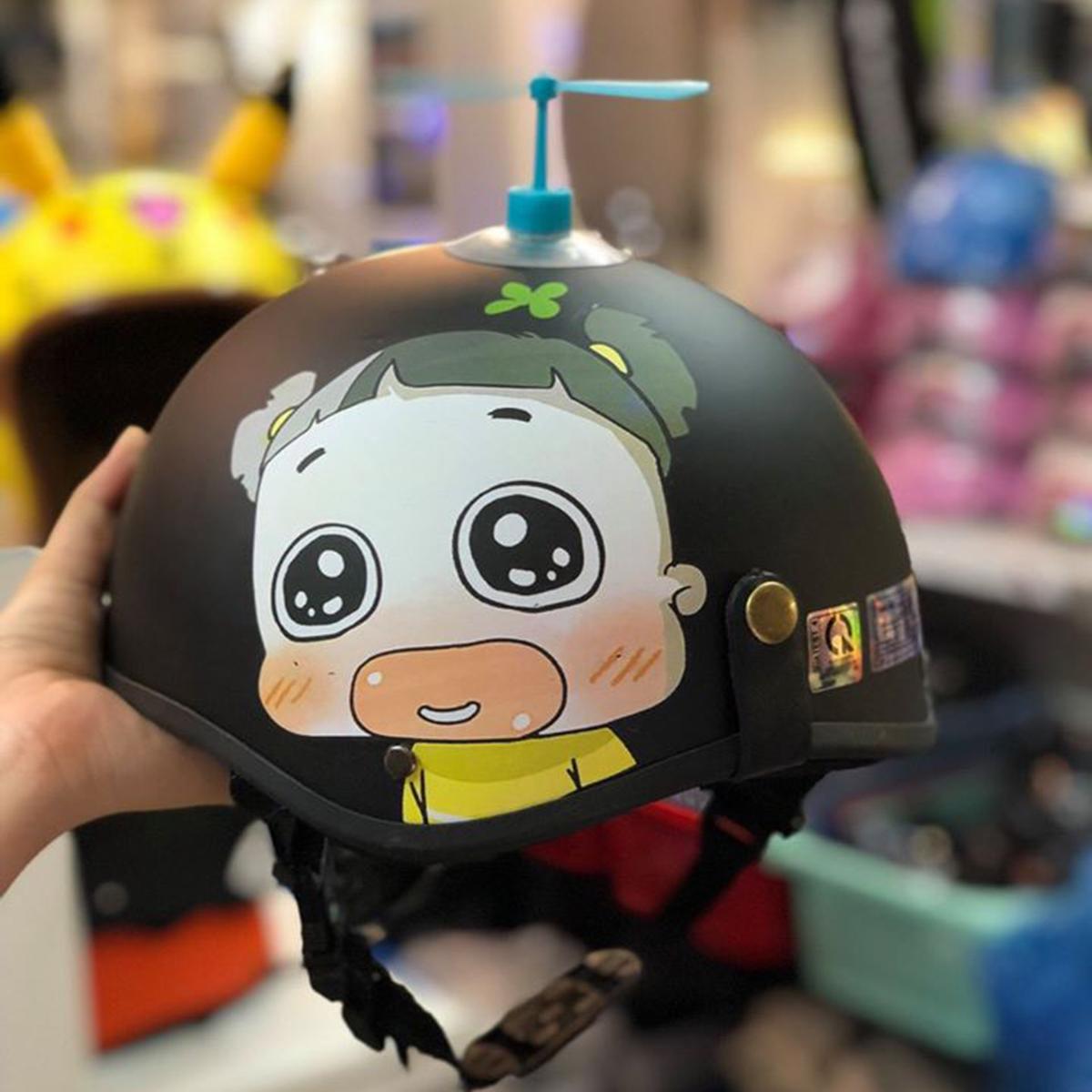 Mũ Bảo Hiểm Đẹp 1/2 Quỳnh Aka Cute Kèm Chong Chóng Nhiều Màu