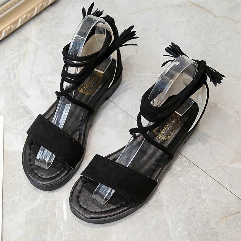 Giày sandal quai ngang cột dây tua rua