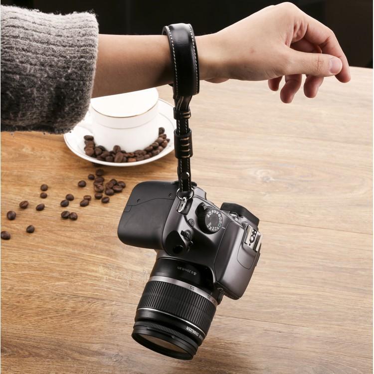 Dây đeo máy ảnh cổ tay da