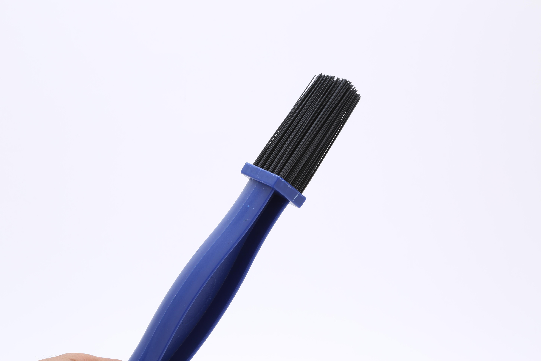 Combo 4 Bàn Chải Vệ Sinh Sên/ Xích Xe Máy 3D Cao Cấp - Giao màu ngẫu nhiên (Xanh/Đỏ)