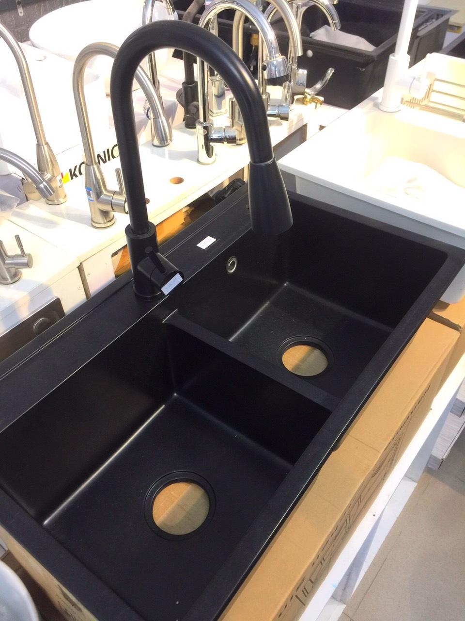 Vòi rửa bát dây rút màu đen nano 2 chế độ rửa