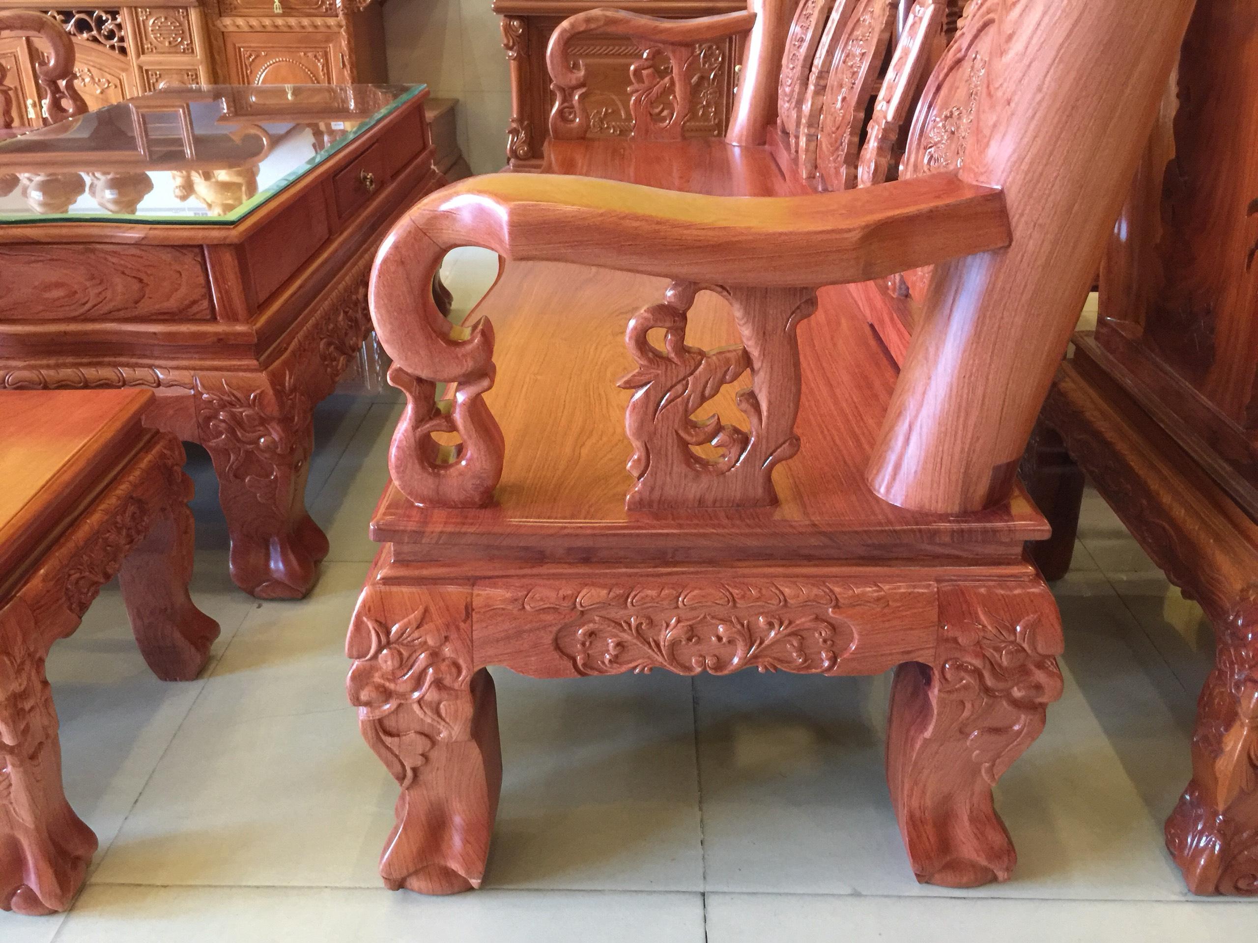 Bộ bàn ghế chạm đào mặt liền gỗ hương đá 6 món tay 12