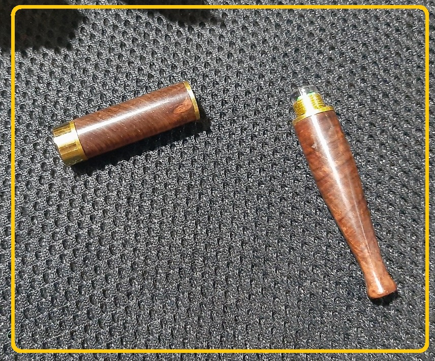 Tẩu thuốc gỗ đàn hương kiêm đầu lọc thuốc giúp sành điệu hơn và hỗ trợ lọc thuốc ( hút thuốc lá là có hại cho sức khỏe)