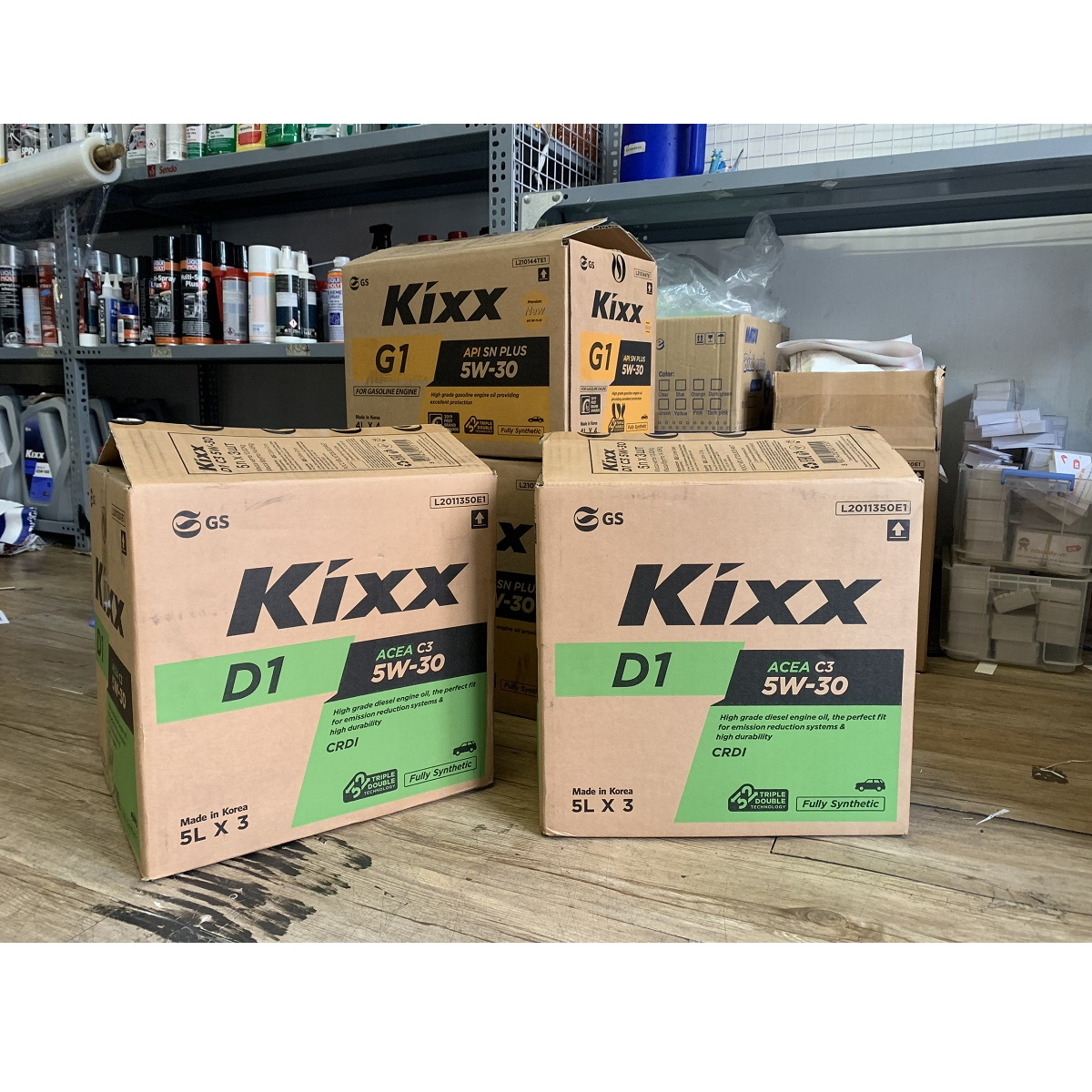 Dầu nhớt động cơ Diesel gốc tổng hợp đặc biệt có tiêu chuẩn ACEA C3 Kixx D1 C3 5W30 5L Mới 2019