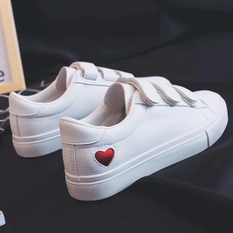 Giày bata nữ học sinh quai dán màu trắng in hình tim siêu xinh MBS341- Mery shoes